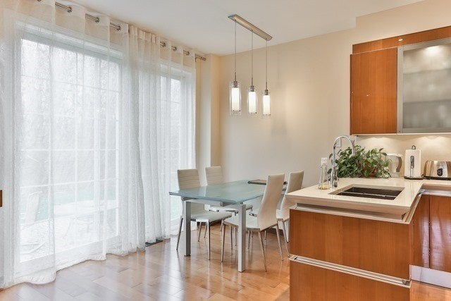 Link at 48 Carriage House Crt, Richmond Hill, Ontario. Image 13