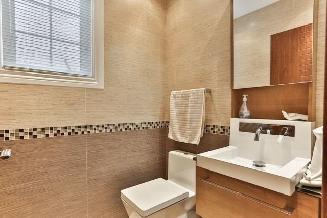 Link at 48 Carriage House Crt, Richmond Hill, Ontario. Image 16