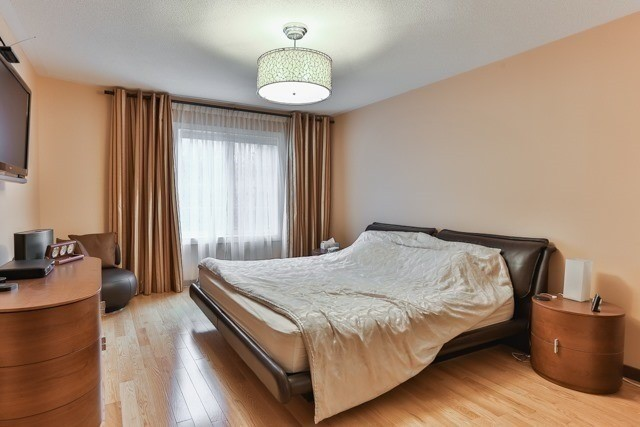 Link at 48 Carriage House Crt, Richmond Hill, Ontario. Image 2
