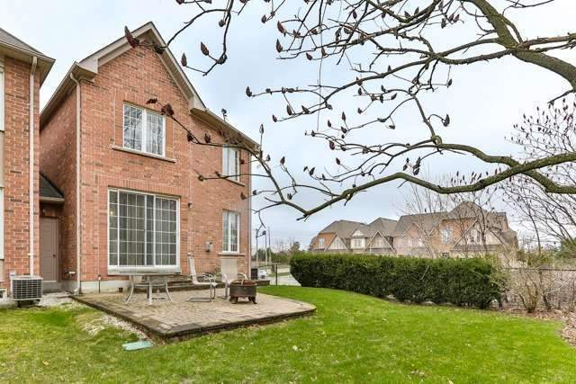 Link at 48 Carriage House Crt, Richmond Hill, Ontario. Image 8