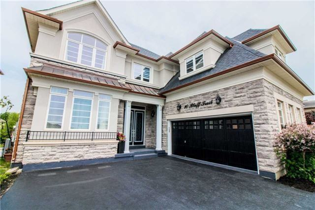 Detached at 10 Bluff Tr, King, Ontario. Image 12