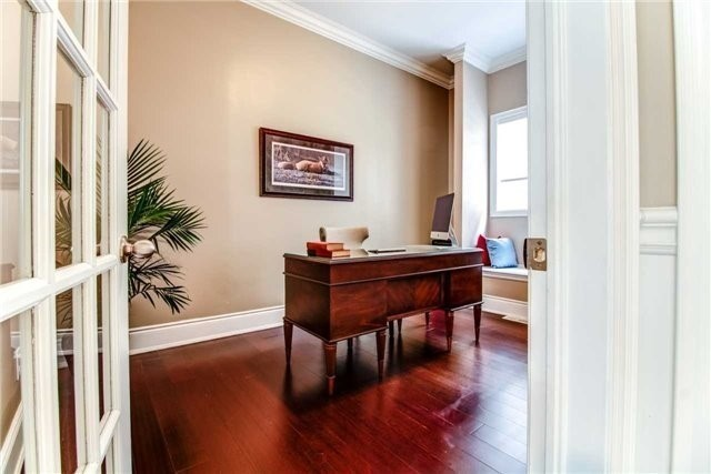 Detached at 10 Bluff Tr, King, Ontario. Image 19