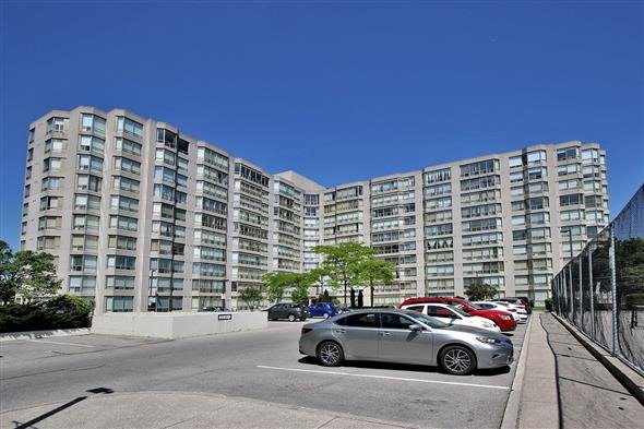 Condo Apartment at 309 Major Mackenzie Dr E, Unit 118, Richmond Hill, Ontario. Image 1