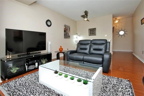 Condo Apartment at 309 Major Mackenzie Dr E, Unit 118, Richmond Hill, Ontario. Image 14