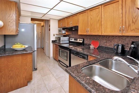 Condo Apartment at 309 Major Mackenzie Dr E, Unit 118, Richmond Hill, Ontario. Image 18