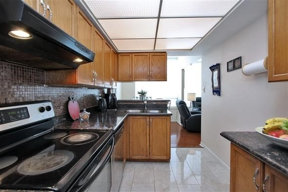 Condo Apartment at 309 Major Mackenzie Dr E, Unit 118, Richmond Hill, Ontario. Image 19
