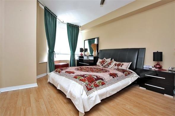 Condo Apartment at 309 Major Mackenzie Dr E, Unit 118, Richmond Hill, Ontario. Image 2