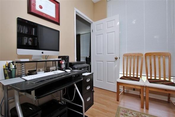 Condo Apartment at 309 Major Mackenzie Dr E, Unit 118, Richmond Hill, Ontario. Image 4