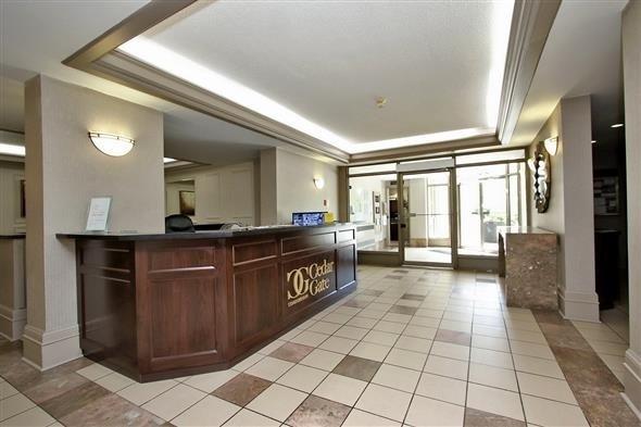 Condo Apartment at 309 Major Mackenzie Dr E, Unit 118, Richmond Hill, Ontario. Image 8
