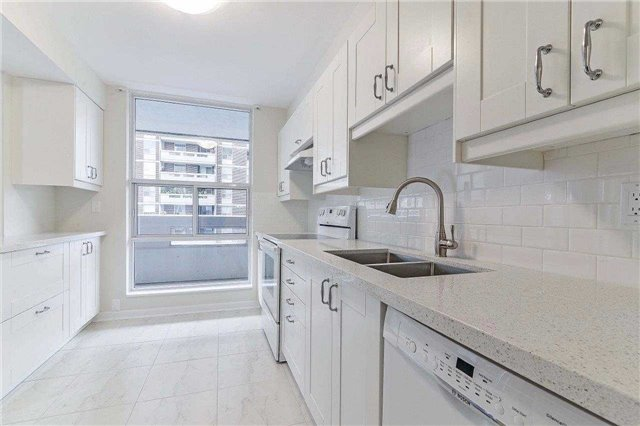 Condo Apartment at 50 Inverlochy Blvd, Unit 302, Markham, Ontario. Image 19