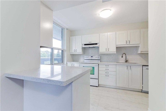 Condo Apartment at 50 Inverlochy Blvd, Unit 302, Markham, Ontario. Image 20