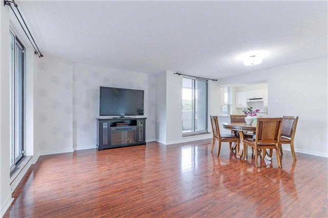 Condo Apartment at 50 Inverlochy Blvd, Unit 302, Markham, Ontario. Image 4