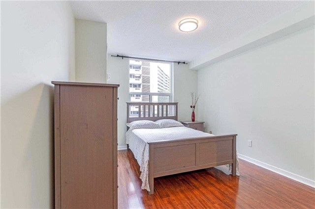 Condo Apartment at 50 Inverlochy Blvd, Unit 302, Markham, Ontario. Image 9