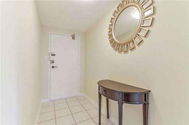 Condo Apartment at 50 Inverlochy Blvd, Unit 302, Markham, Ontario. Image 13