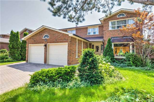 Detached at 15 Clendenen Crt, Markham, Ontario. Image 11