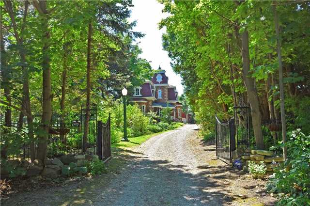 Detached at 179 Queen St S, New Tecumseth, Ontario. Image 1