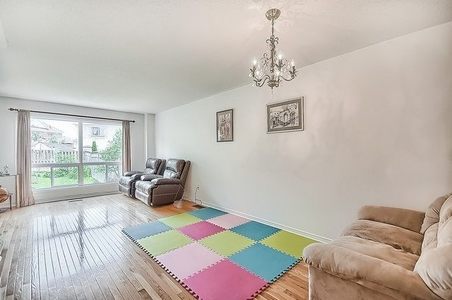 Townhouse at 106 Lowther Ave, Richmond Hill, Ontario. Image 15
