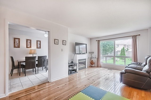 Townhouse at 106 Lowther Ave, Richmond Hill, Ontario. Image 17