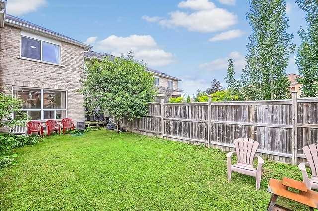 Townhouse at 106 Lowther Ave, Richmond Hill, Ontario. Image 9