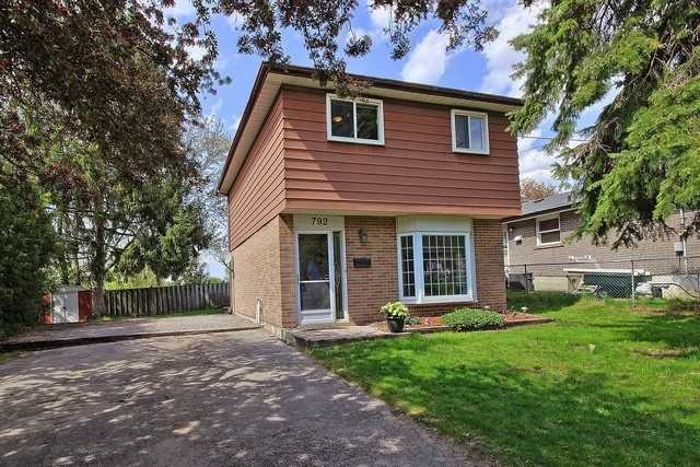 Detached at 792 Greenfield Cres, Newmarket, Ontario. Image 1