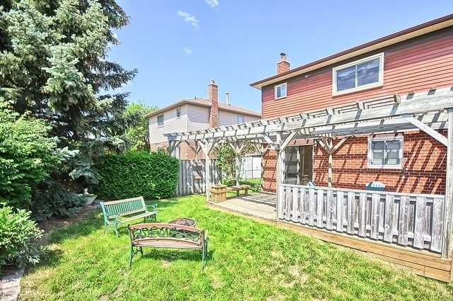 Detached at 163 Billings Cres, Newmarket, Ontario. Image 10
