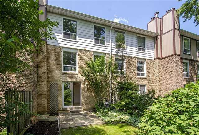 Condo Townhouse at 17 Romfield Crct, Markham, Ontario. Image 10