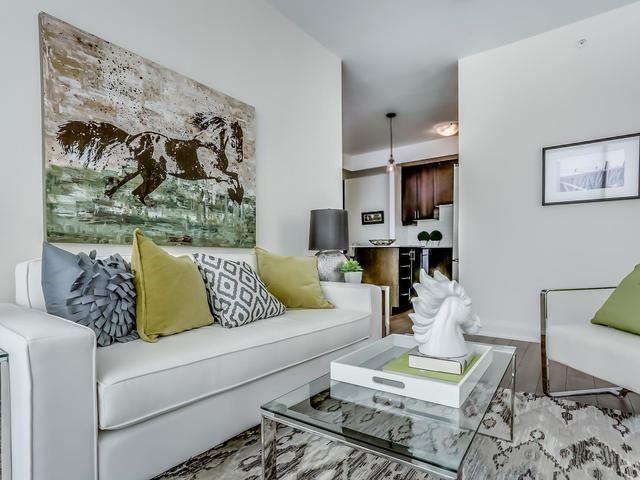 Condo Apartment at 2900 Highway 7, Unit 1403, Vaughan, Ontario. Image 13