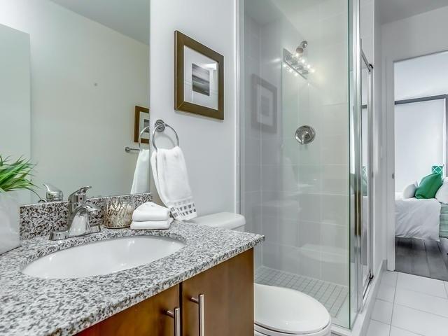 Condo Apartment at 2900 Highway 7, Unit 1403, Vaughan, Ontario. Image 3