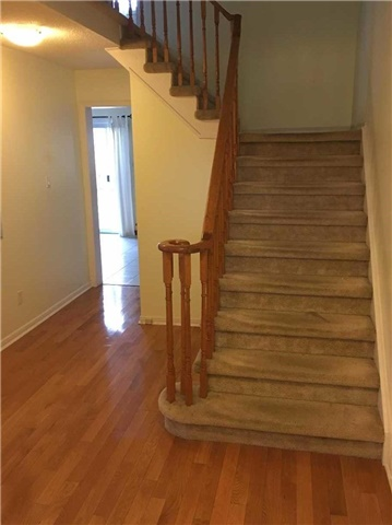 Detached at 120 Stargell Cres, Markham, Ontario. Image 2