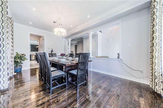 Detached at 26 Morganfield Crt, Richmond Hill, Ontario. Image 15