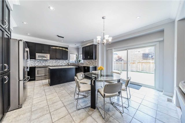 Detached at 26 Morganfield Crt, Richmond Hill, Ontario. Image 16