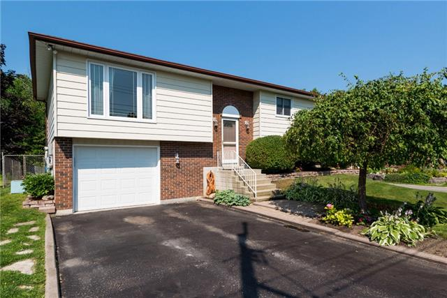 Detached at 2220 Willard Ave, Innisfil, Ontario. Image 1