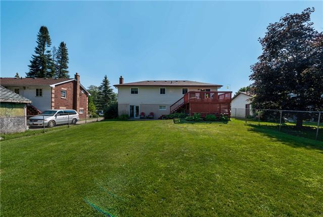 Detached at 2220 Willard Ave, Innisfil, Ontario. Image 12