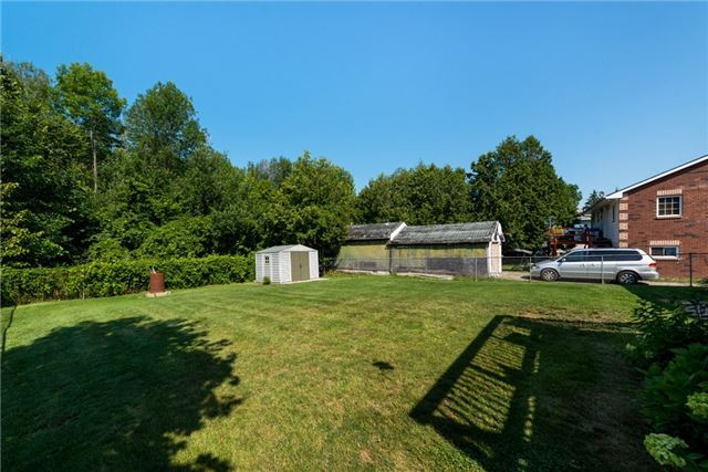 Detached at 2220 Willard Ave, Innisfil, Ontario. Image 14