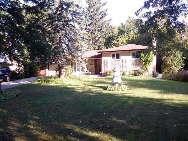 Detached at 134 Sunset Beach Rd, Richmond Hill, Ontario. Image 1