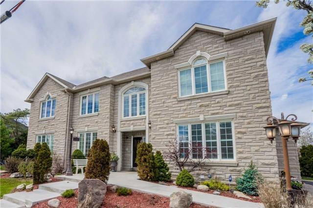 Detached at 240 Rothbury Rd, Richmond Hill, Ontario. Image 1