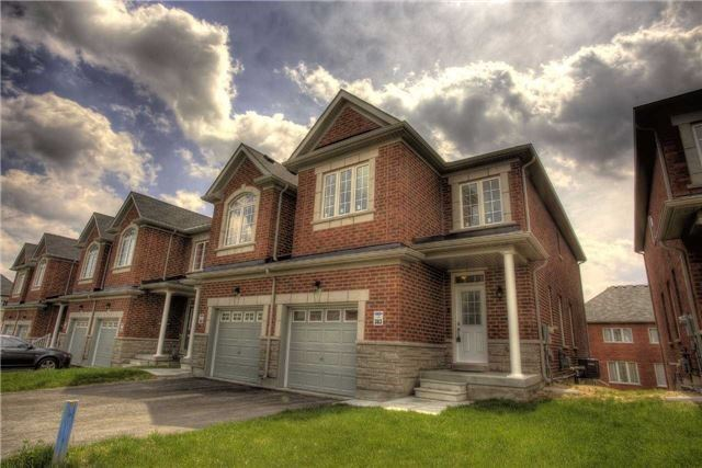 Link at 14 Collin Crt, Richmond Hill, Ontario. Image 1