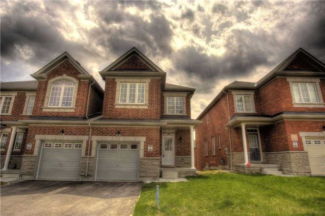 Link at 14 Collin Crt, Richmond Hill, Ontario. Image 11
