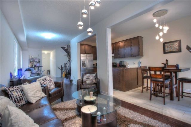 Link at 14 Collin Crt, Richmond Hill, Ontario. Image 14