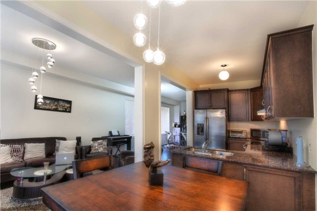 Link at 14 Collin Crt, Richmond Hill, Ontario. Image 16