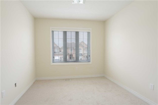 Link at 14 Collin Crt, Richmond Hill, Ontario. Image 2