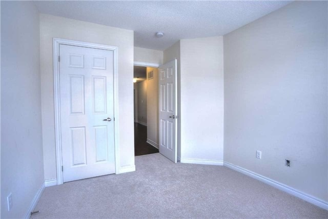 Link at 14 Collin Crt, Richmond Hill, Ontario. Image 3
