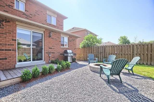 Detached at 1342 Vincent Cres, Innisfil, Ontario. Image 11