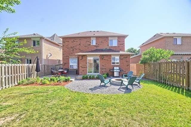 Detached at 1342 Vincent Cres, Innisfil, Ontario. Image 13