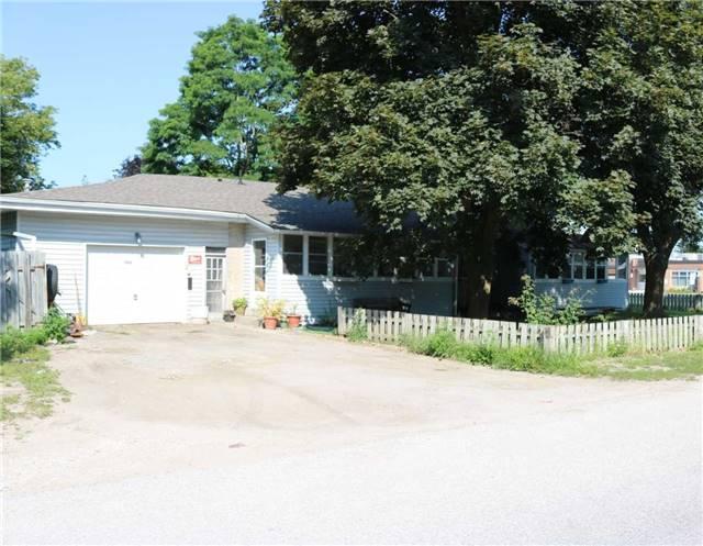 Detached at 100 Vernon St, Essa, Ontario. Image 14