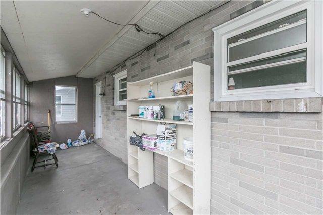 Detached at 100 Vernon St, Essa, Ontario. Image 4