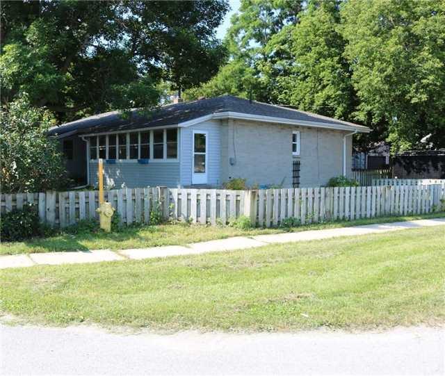 Detached at 100 Vernon St, Essa, Ontario. Image 13