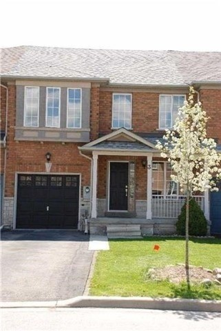 Townhouse at 3 Grasslands Ave, Richmond Hill, Ontario. Image 1