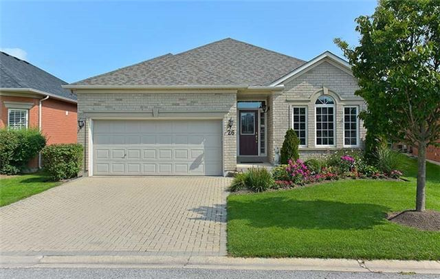 Detached at 26 Boros Link, Whitchurch-Stouffville, Ontario. Image 1