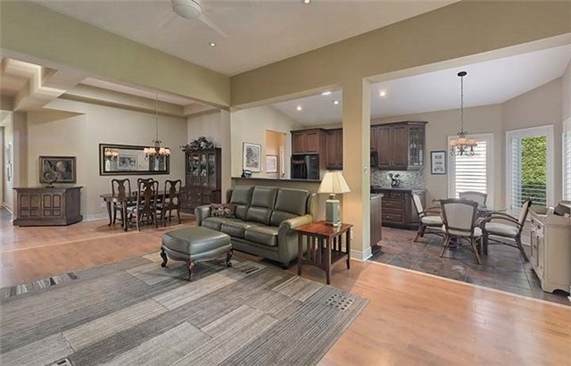 Detached at 26 Boros Link, Whitchurch-Stouffville, Ontario. Image 14